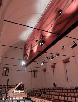 Tissus acoustiques au plafond