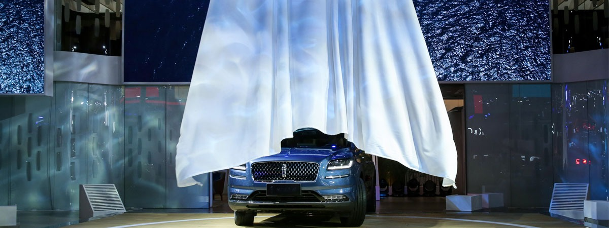 Car launch using HiSpeed Reveal unveiling system